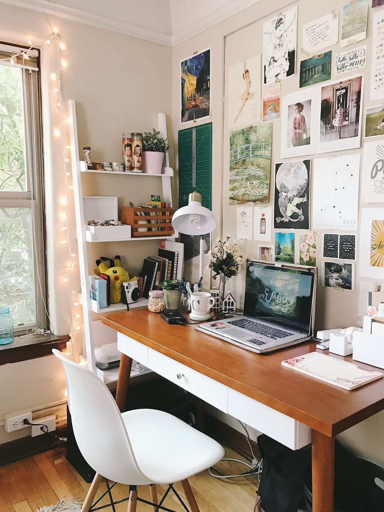 How To Maximize Your Usage Of A Planning Tool That Turns Even The Most Scatterbrained Student Into An Organized Simple Desk Decor Aesthetic Room Decor Interior