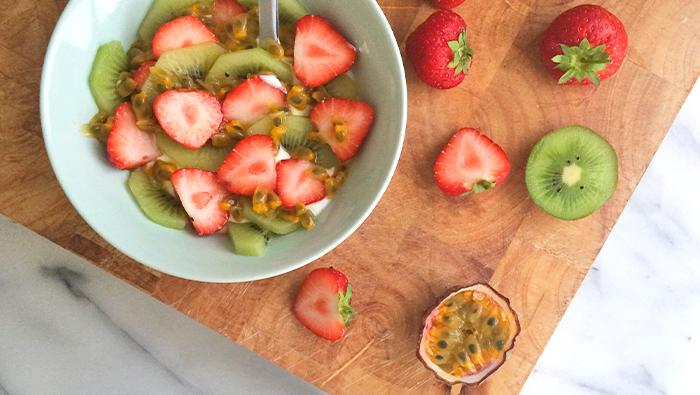 pavlova inspired breakfast bowl by eve season