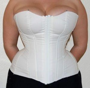 dea154978b7 DIY corset for full figured women