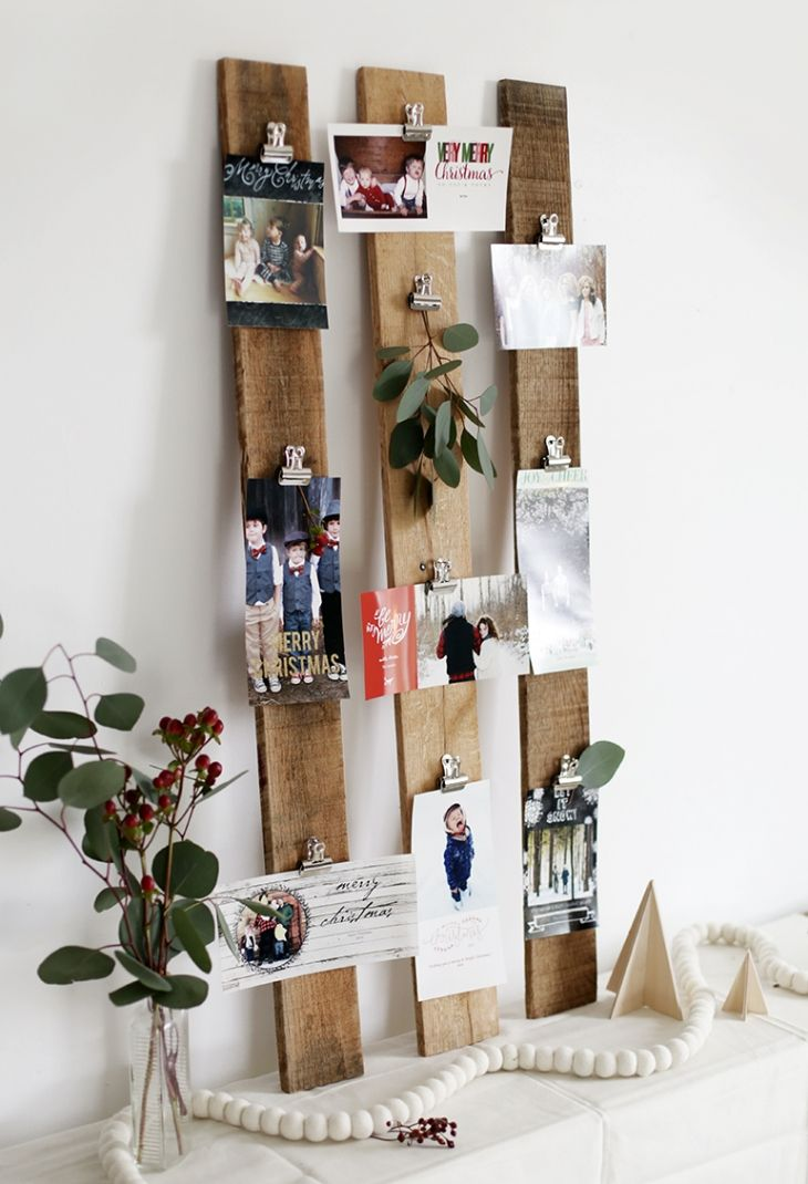 Diy Wooden Pallet Slats And Binder Clips Christmas Card Or Photo Display Tutorial The Merry T Christmas Card Display Holiday Card Display Diy Christmas Cards