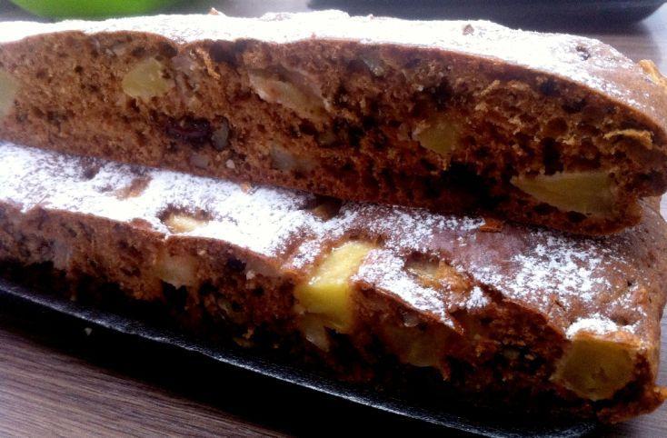 Fotorecept: Hrnčekový jablkový koláč s orechami a čokoládou