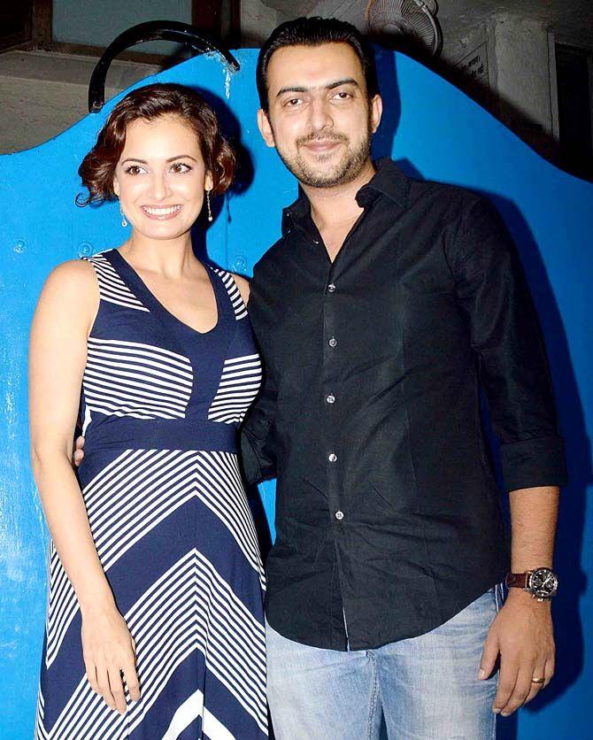 Dia Mirza And Husband Sahil Sangha At Deepika Padukone S Success Bash For Piku Bollywood Fashion Style Be With Images Fashion Bollywood Celebrities Deepika Padukone