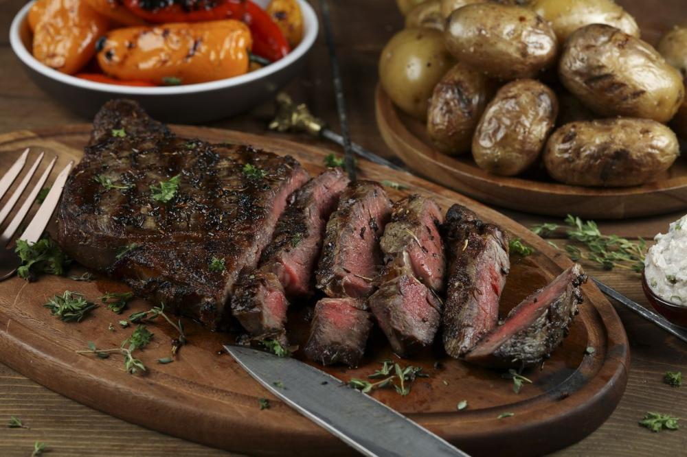 Grilled steak with creamy horseradish walnut sauce in 2020