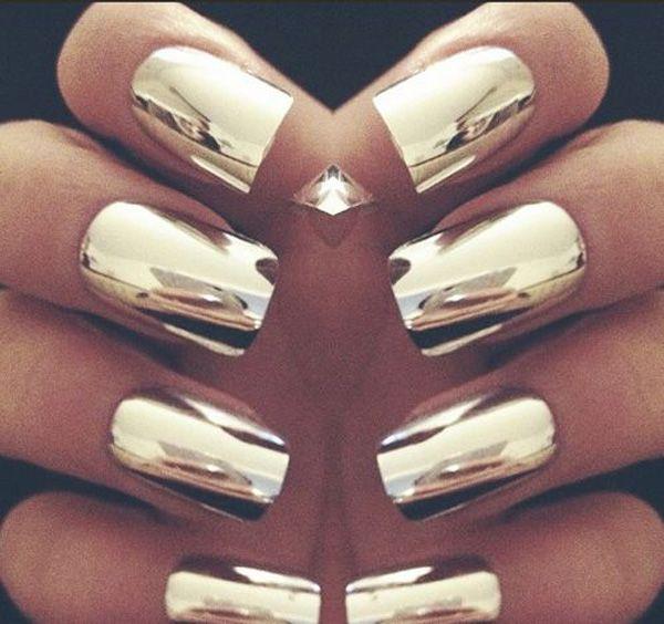 55 Gorgeous Metallic Nail Art Designs   Oro metálico, Lleno y De oro