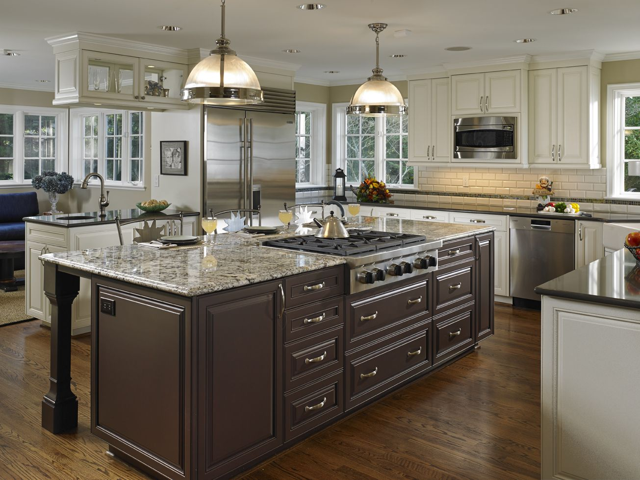 Oversize Kitchen Island with stovetop Kitchen island