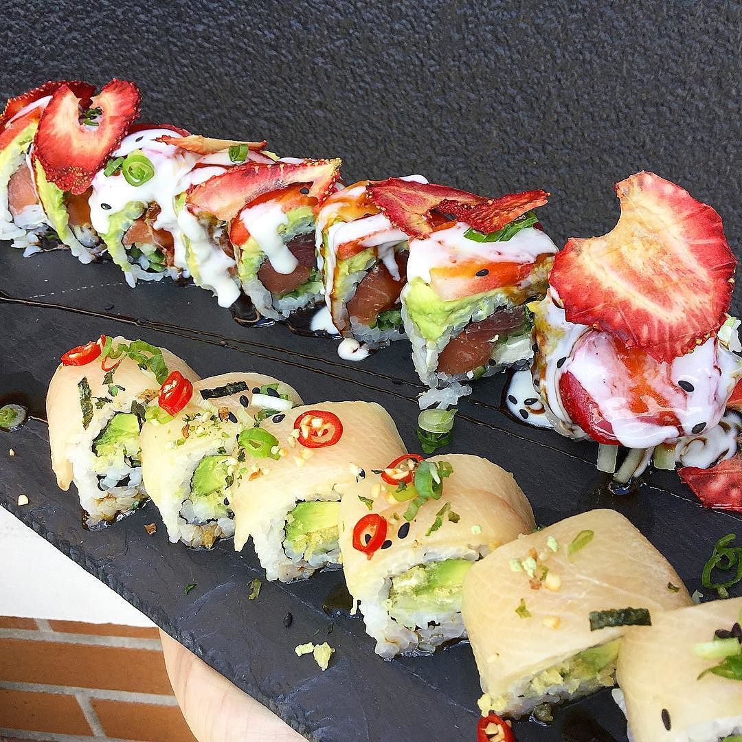 The Mayberry Roll And Off Menu Roll Jakusushi Jakusushi Sushi Sushiroll Sushitime Strawberry Strawberries Sushi Sushi Time Food