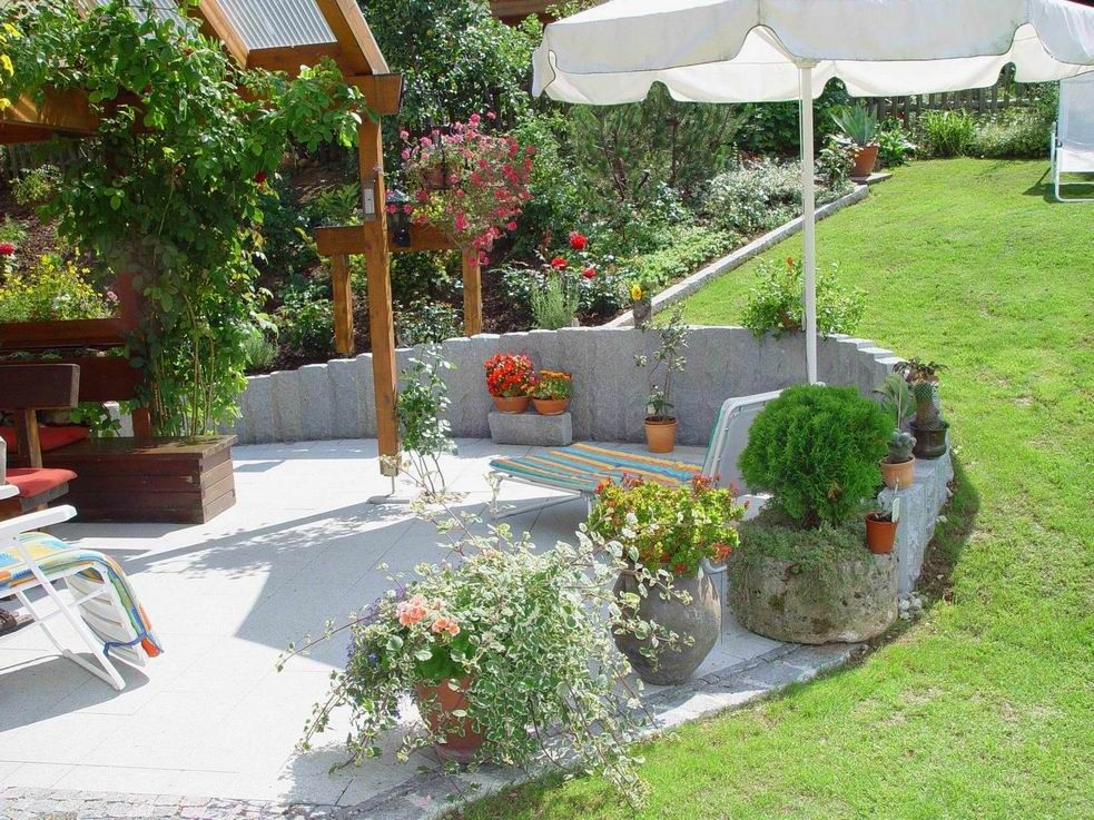 Garten und landschaftsbau hang swimming pool in hanglage for Gartengestaltung 3d planer
