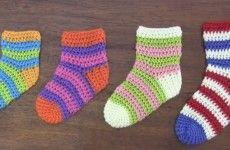 Medias o calcetines tejidas a crochet