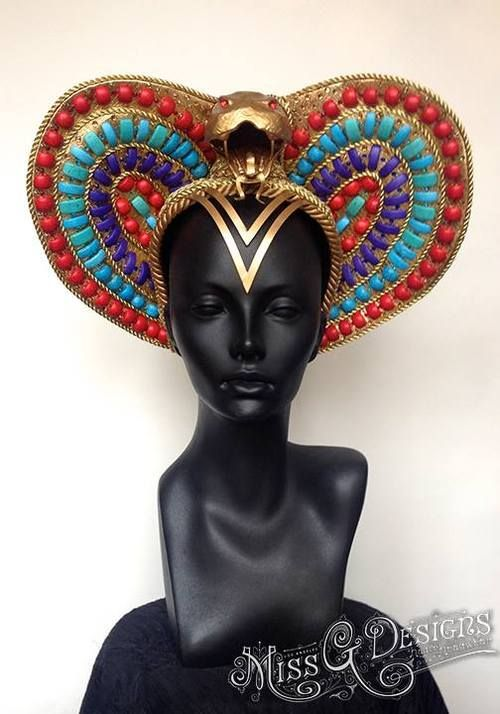 Katy Perry's custom head piece by Miss G Designs for her ... Katy Perry Dark Horse Egyptian Costume