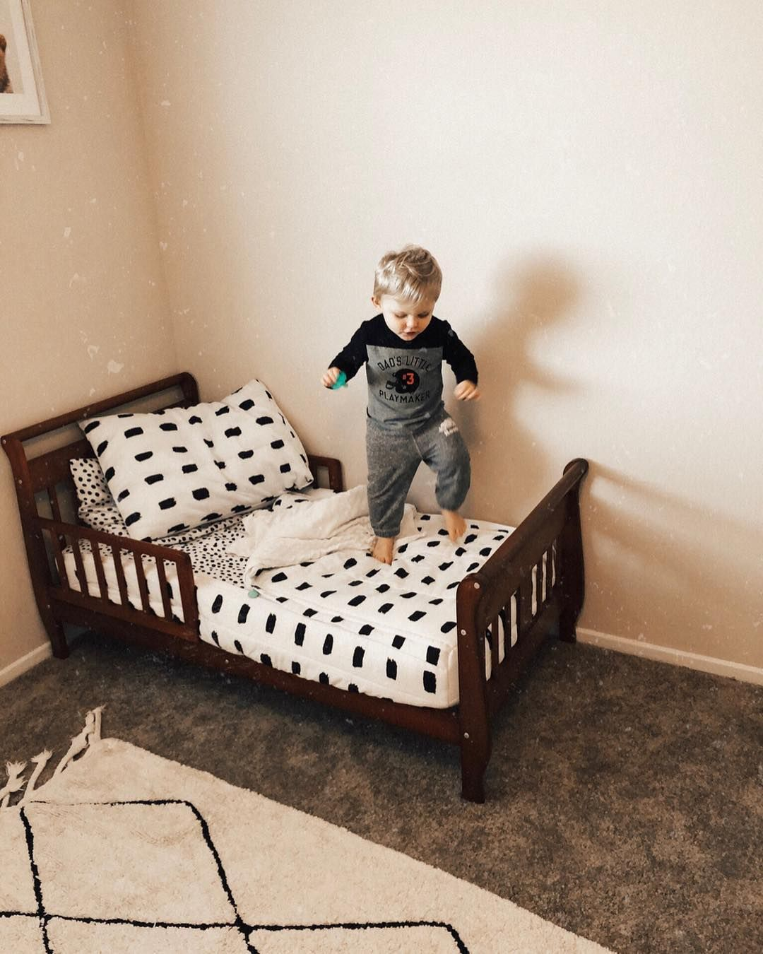9 Diy Toddler Bed Ideas Guide To Choose The Right Toddler Bed Plans In 2020 Diy Toddler Bed Toddler Bed Toddler House Bed