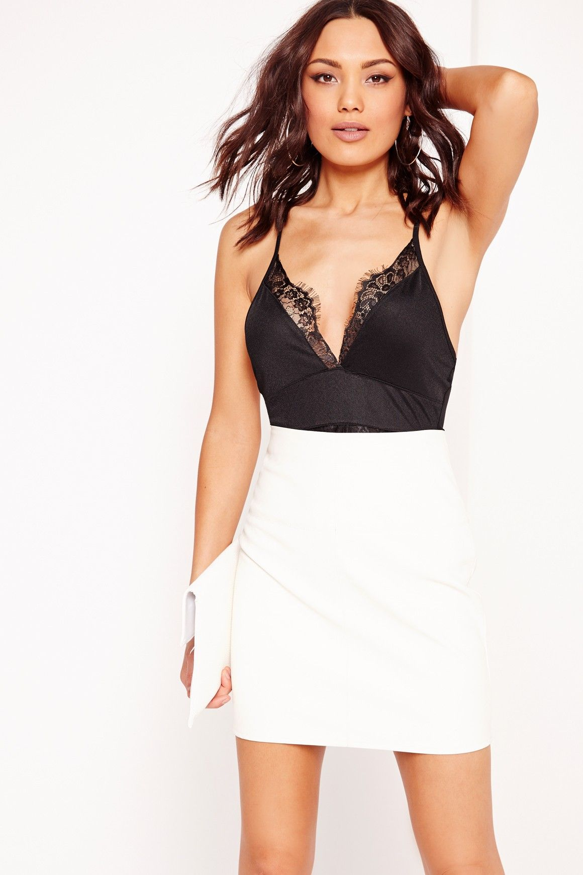 Missguided - Cross Over Back Lace Detail Bodysuit