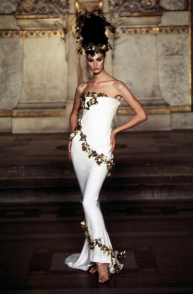 5f8efb28d4 Givenchy S S 1997 Haute Couture