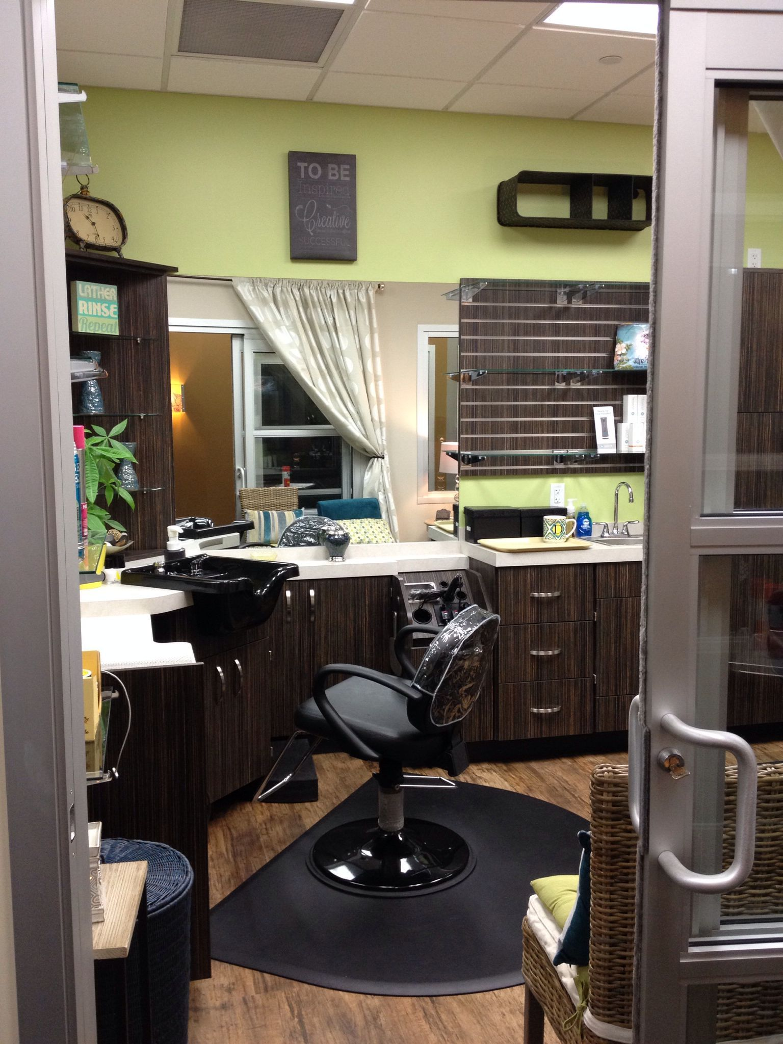 30 Best Sola Salon Studios Decoration Ideas