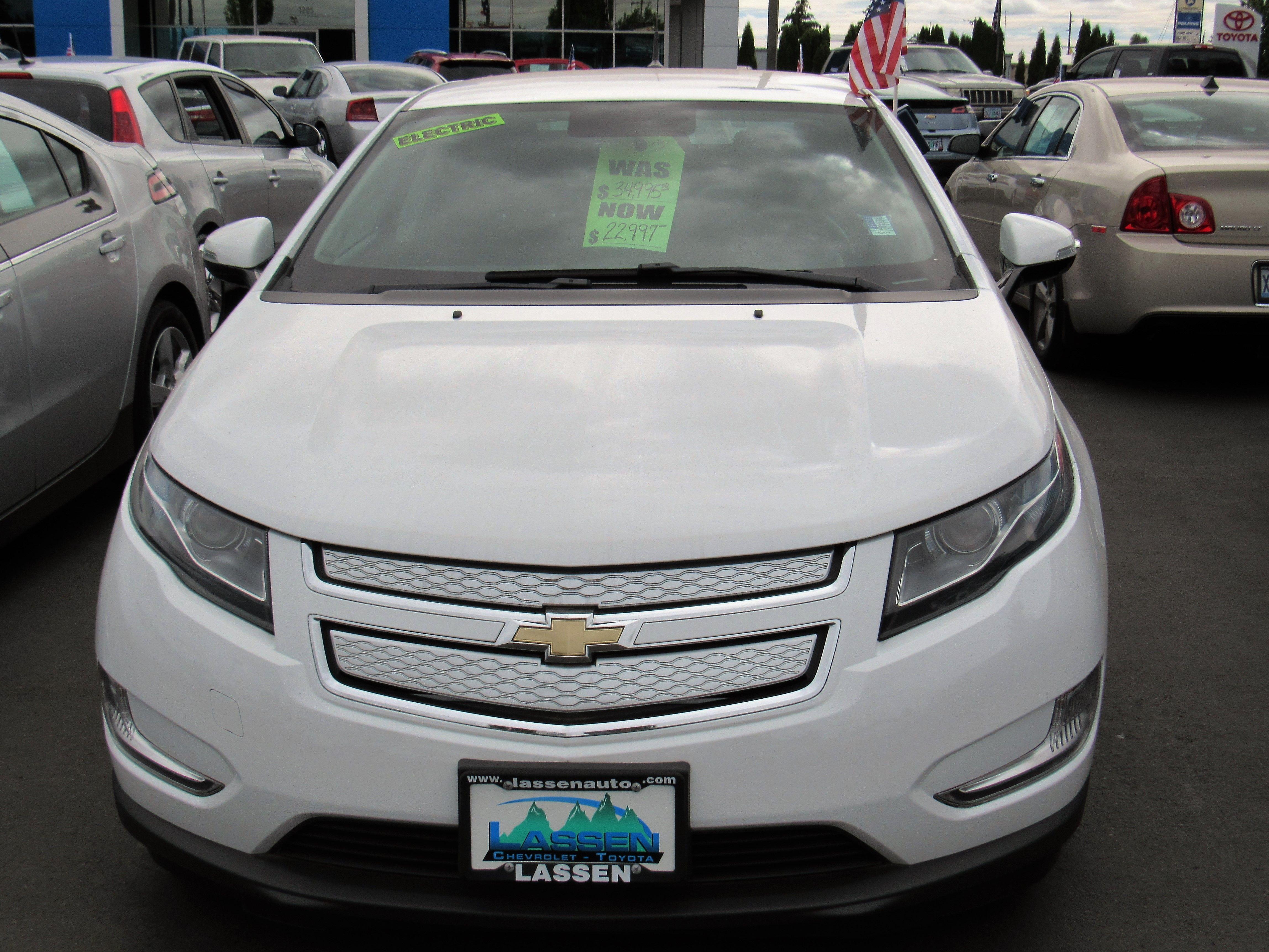 Superior Call (541) 926 4236 For Details 2014 Chevrolet Volt Stock # 4539 Lassen  Chevrolet/Toyota Albany, OR 97322