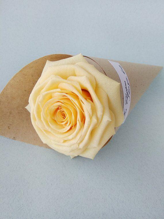 Crepe paper roses, Crepe paper flowers, Roses center piece, Paper rose stem, Crepe flowers #crepepaperroses