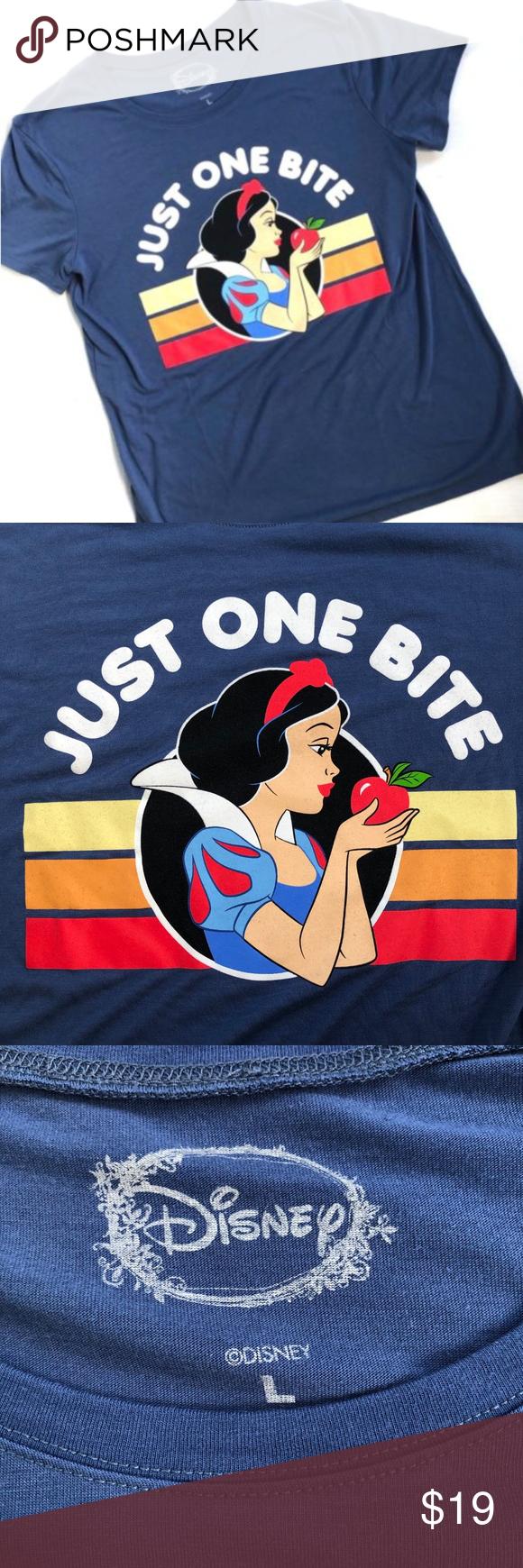23ae27ea8 Disney Women L Snow White T-Shirt