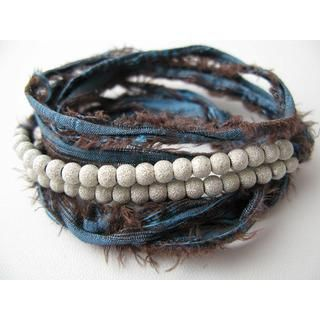 Pearl-Bracelet with Jean