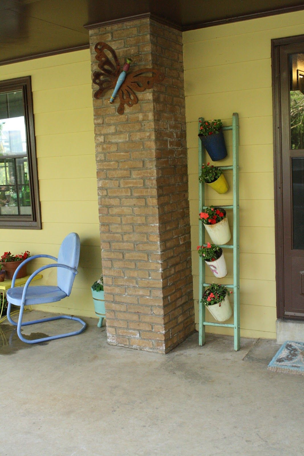 Thrifty Finds to Spruce up the Porch