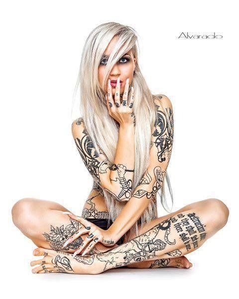 Tattoed milf barefoot