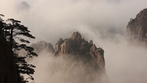 Huang Shan - paintings in cloud | Flickr : partage de photos !