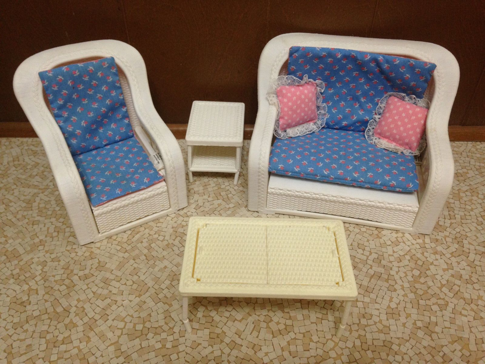 Cool Details About 1983 Vintage Barbie Doll Wicker Rattan Sofa Short Links Chair Design For Home Short Linksinfo