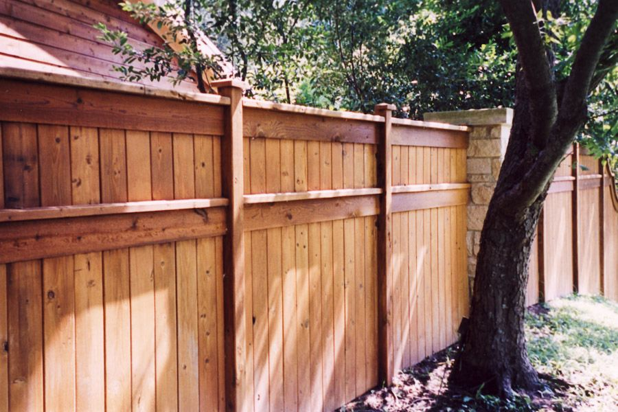 37 Stylish Privacy Fence Ideas for Outdoor Spaces Privacy fence