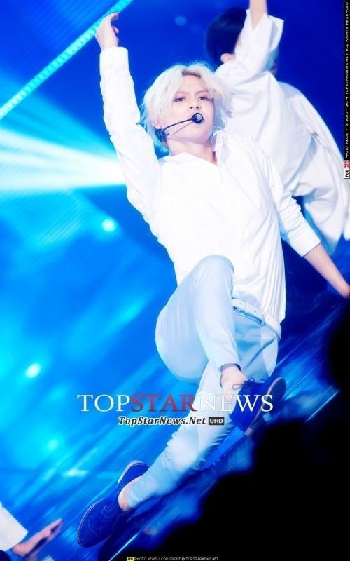 [HD포토] 샤이니 태민, '눈빛마저도 멋있어' (쇼 챔피언) http://bit.ly/1uWZ9kH pic.twitter.com/hqVyXpzHUW