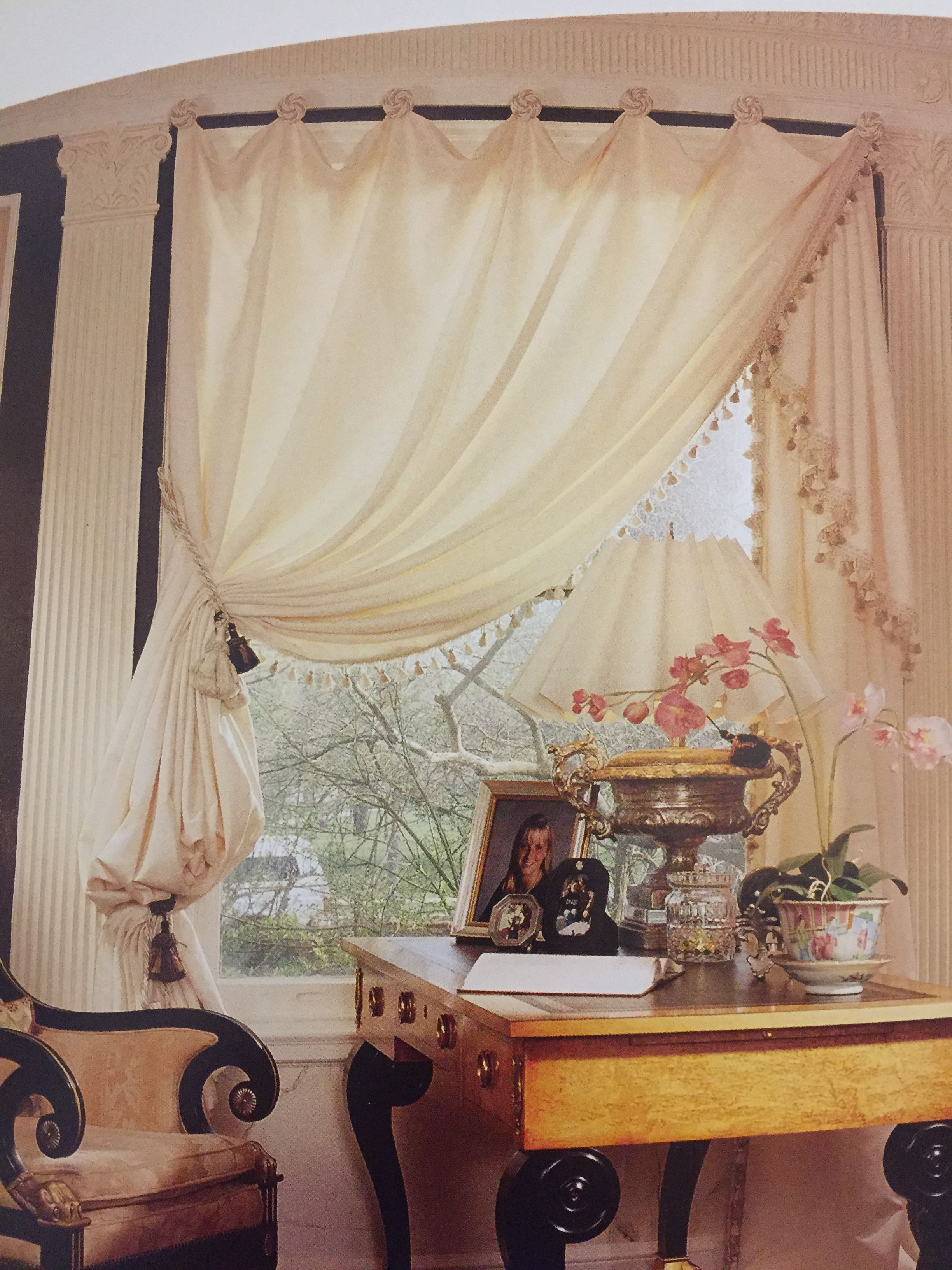 Different Ways And Methods To Creatively Hang Curtains Drapery