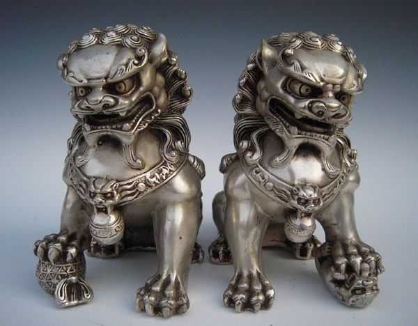 Chinese Tibet silver carved guard Foo Dogs Lion statues
