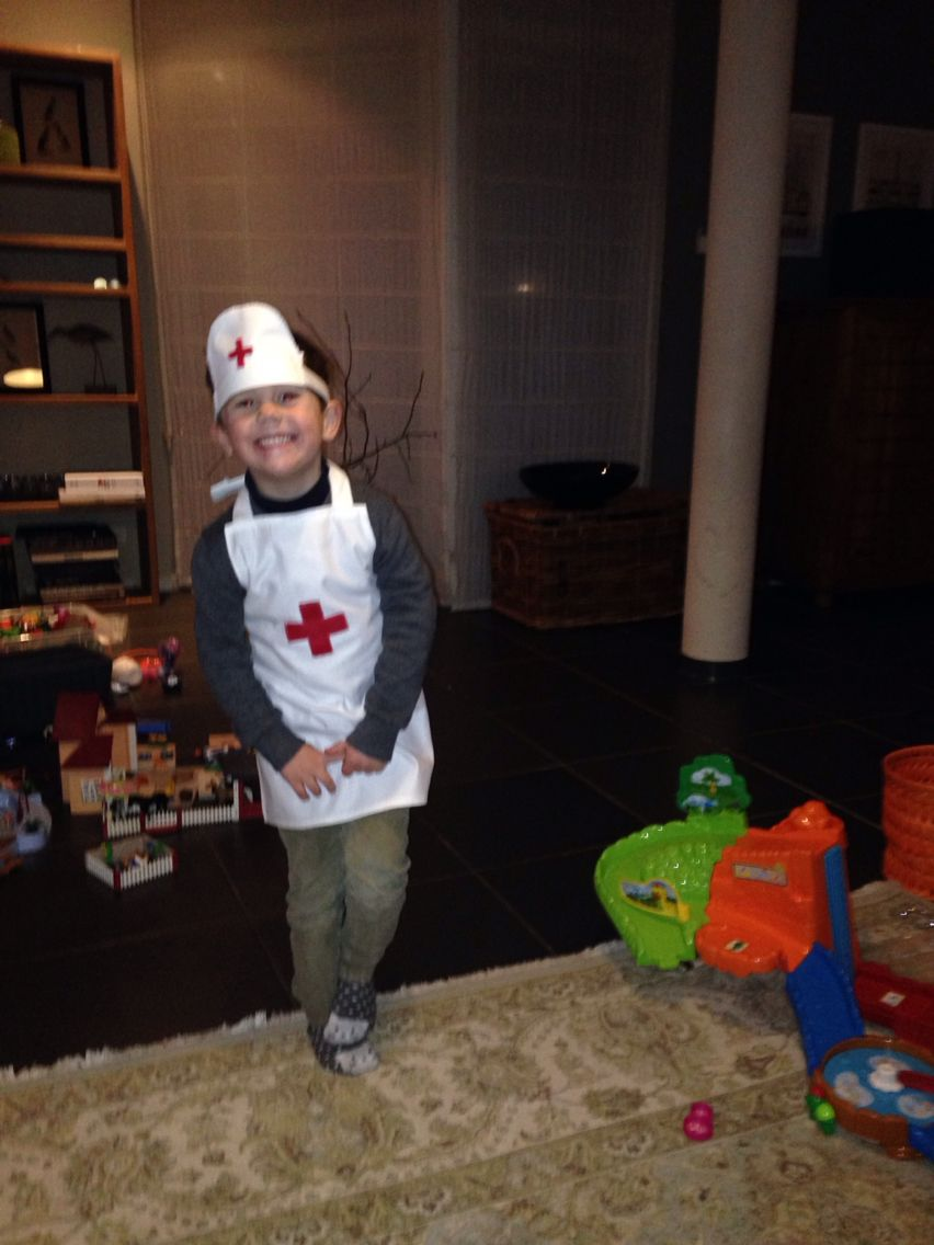 Doctors outfit easy to make and days of fun for the kids