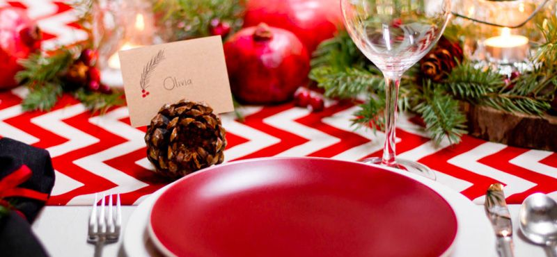 10 Thoughtful and Thrifty Christmas Table Touches Holidays - christmas table decorations