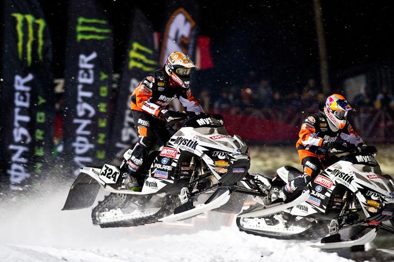 Levi LaVallee vs Kyle Pallin Snocross, Snowmobile, Snow fun