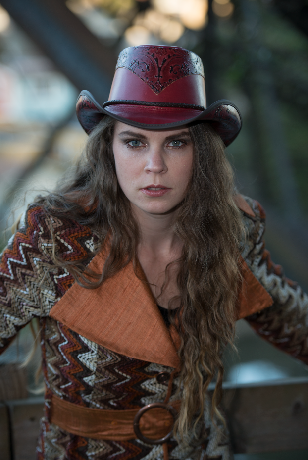 c5fad310dc3a9c Adorable cowgirl fashion with Double G Hats. |