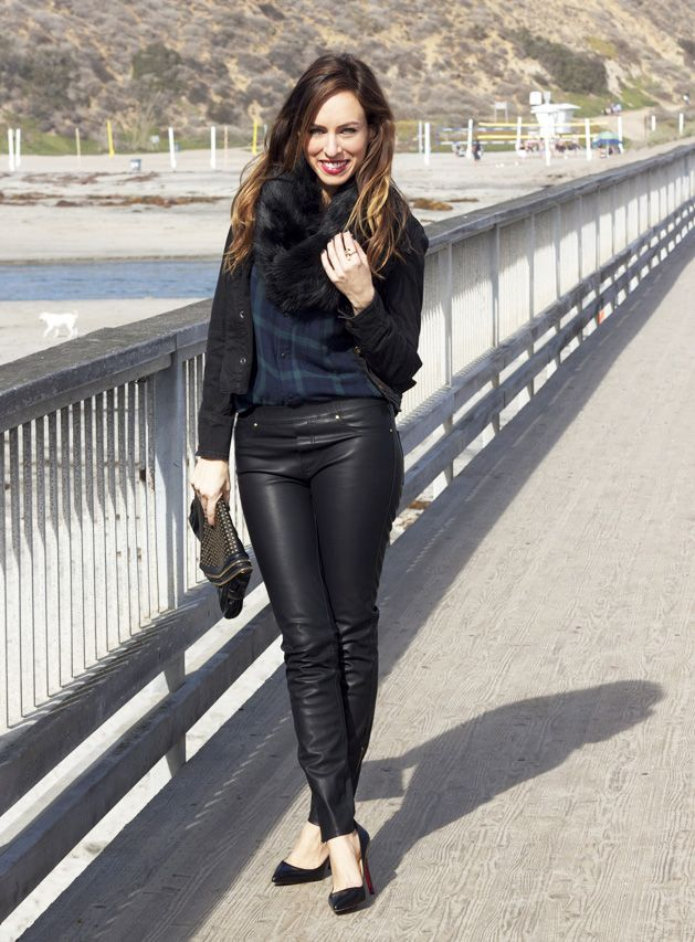 Sydne Style - Leather leggings how to wear leather trend
