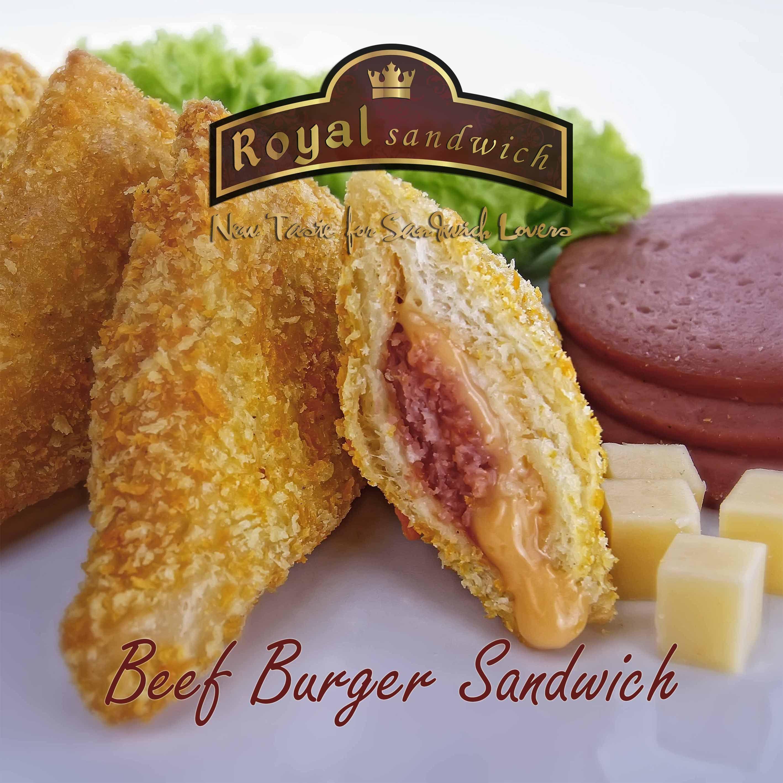 Beef Burger Sandwich  Sandwich Goreng berisi Potongan daging Beef Burger Segar dan Keju yang di balut dengan Mayonaise dan Saus. Lezat.  Beef Burger Sandwich adalah Salah Satu Produk Best Seller Royal Royal Sandwich  1 Bungkus terdiri dari 10 Pcs Sandwich Goreng.