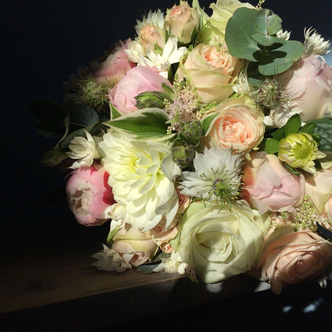 bouquet de mariée, pivoine, roses anciennes, dalhia. | rose pivoine
