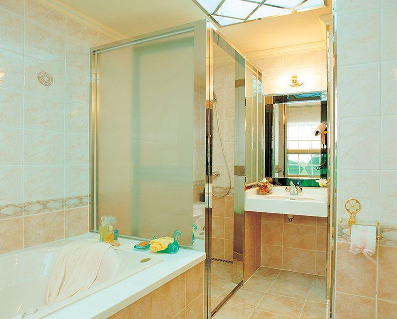 Badkamer voorbeelden inloopdouche - Ideeën voor het huis | Pinterest ...