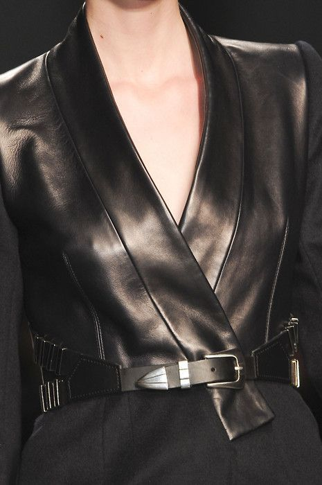 Mini Pelle Occasion в 2019 г вторая кожа и женщина Leather