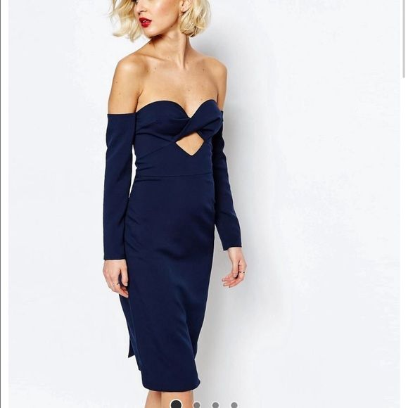 Navy blue off the shoulder Lavish Alice dress! Dress made by Lavish Alice UK size 8 converts to US size 4. I'd say it runs a tad bigger than an Asos brand US 4. This dress is sold out on ASOS in this size. ASOS Dresses Midi