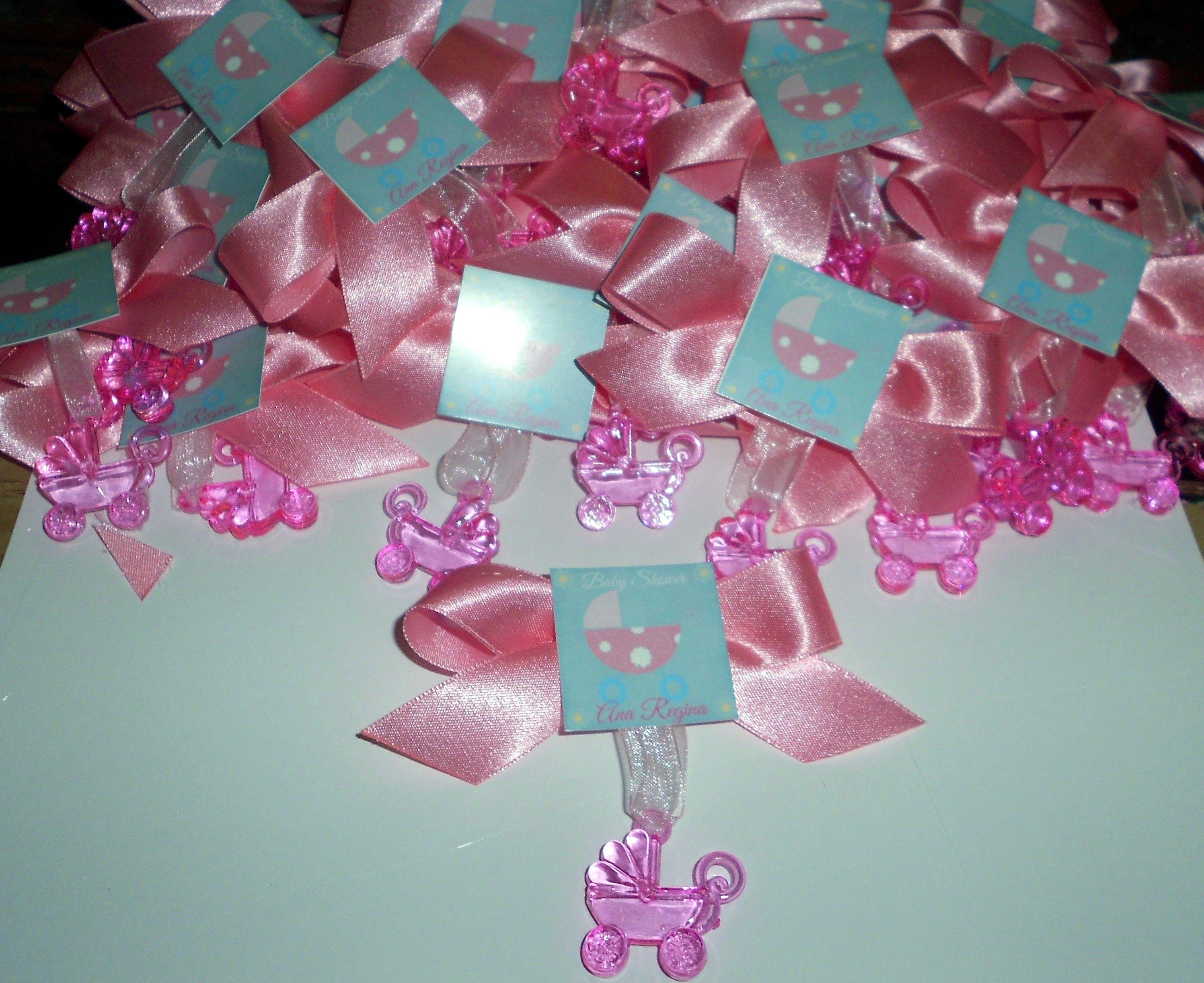 distintivos para baby shower personalizados con el tema de carreolas