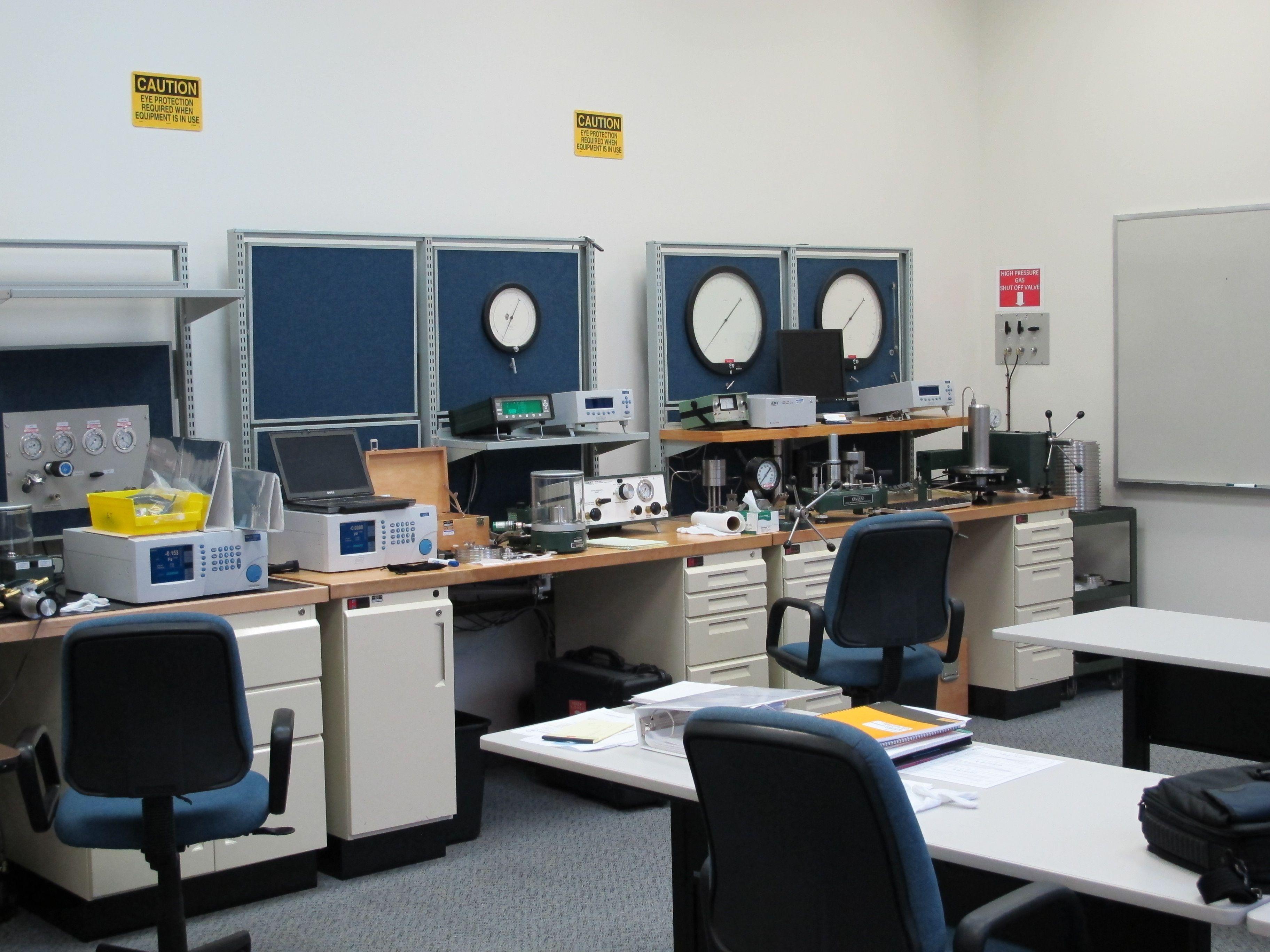 Fluke Calibration Ruska Pressure Training School