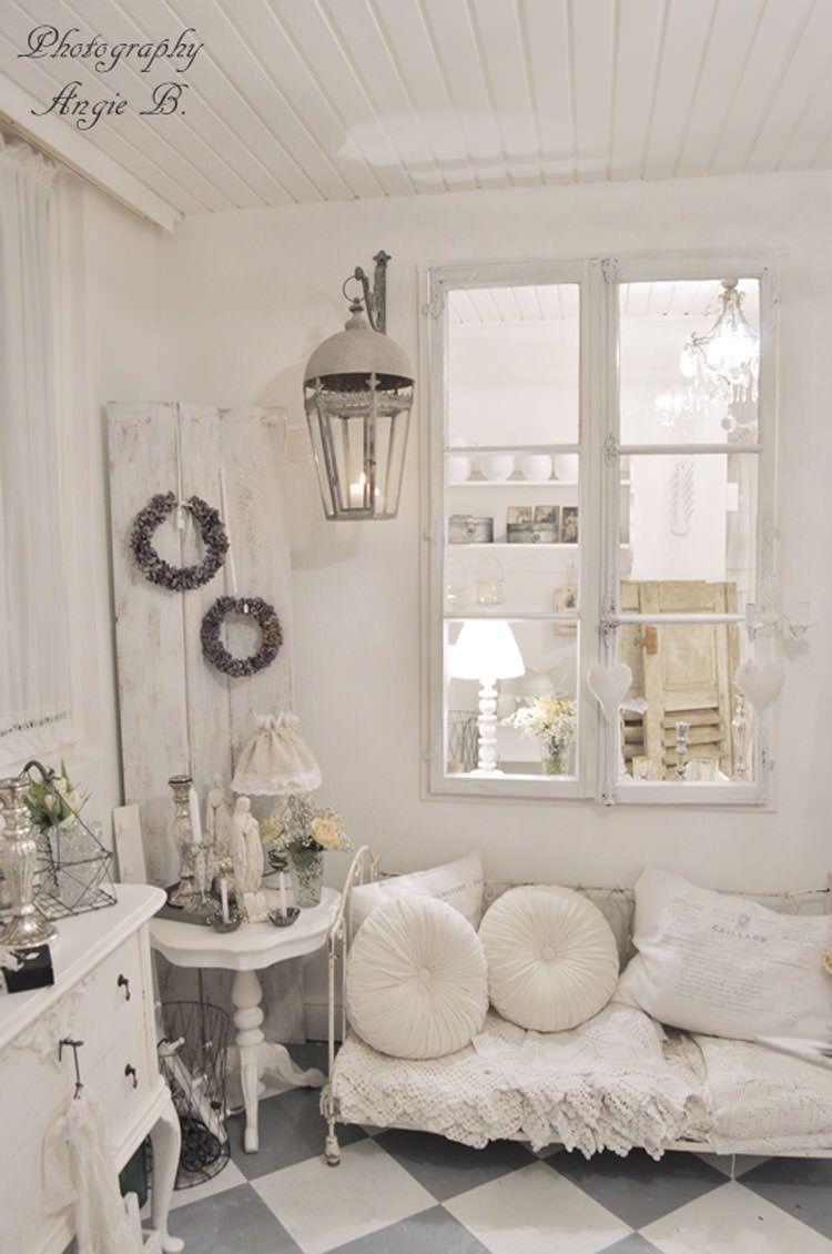25 idee per arredare il soggiorno in stile shabby chic for Nuove case in stile cottage