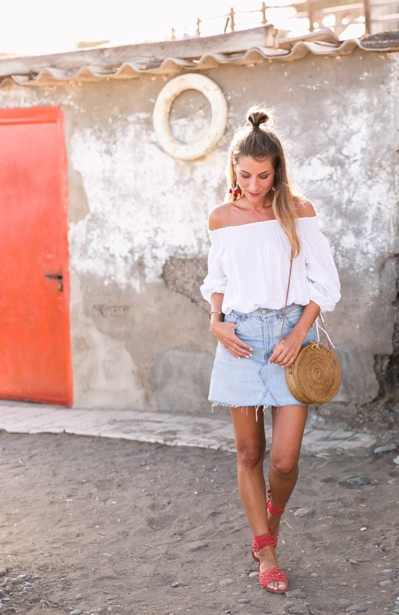 3a87ad76 outfits-woman-summer-off-shoulder-red-sandals-inspiration-