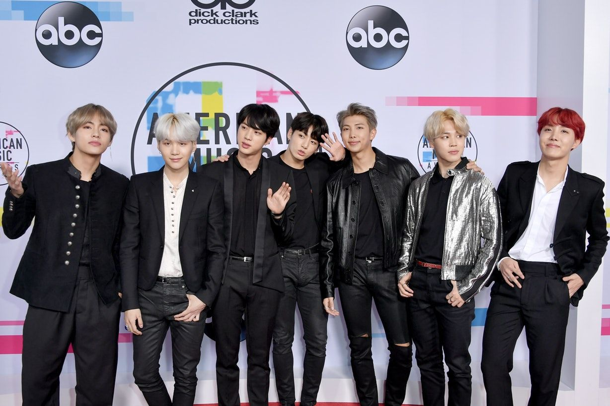 Bts Just Finished Performing At The Prestigious American Music Awards Ama And The Performance Was Nothing Short Of Amazing American Music Awards Bts Bangtan Boy I Love Bts