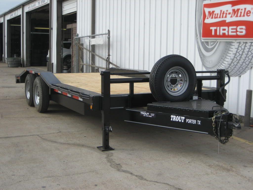 Semi truck with heavy haul flatbed trailer semi trucks pinterest flatbed trailer semi trucks and semi trailer
