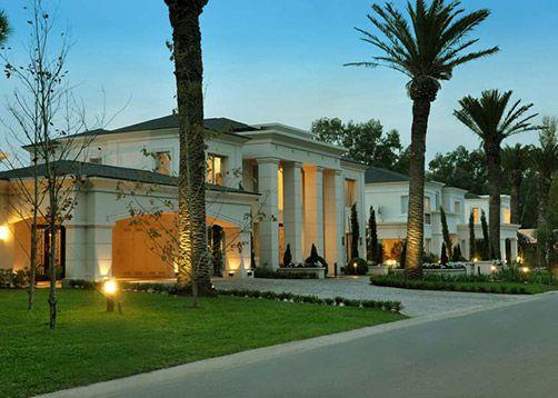 Apa arquitectura en 2019 fachadas casas casa estilo for Fachadas de casas estilo clasico