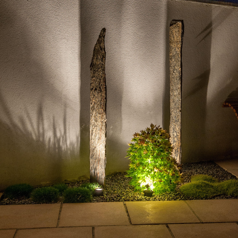 jeux d 39 ombres et de lumi res sur des piquets d 39 ardoise les r alisations de lnp garden. Black Bedroom Furniture Sets. Home Design Ideas