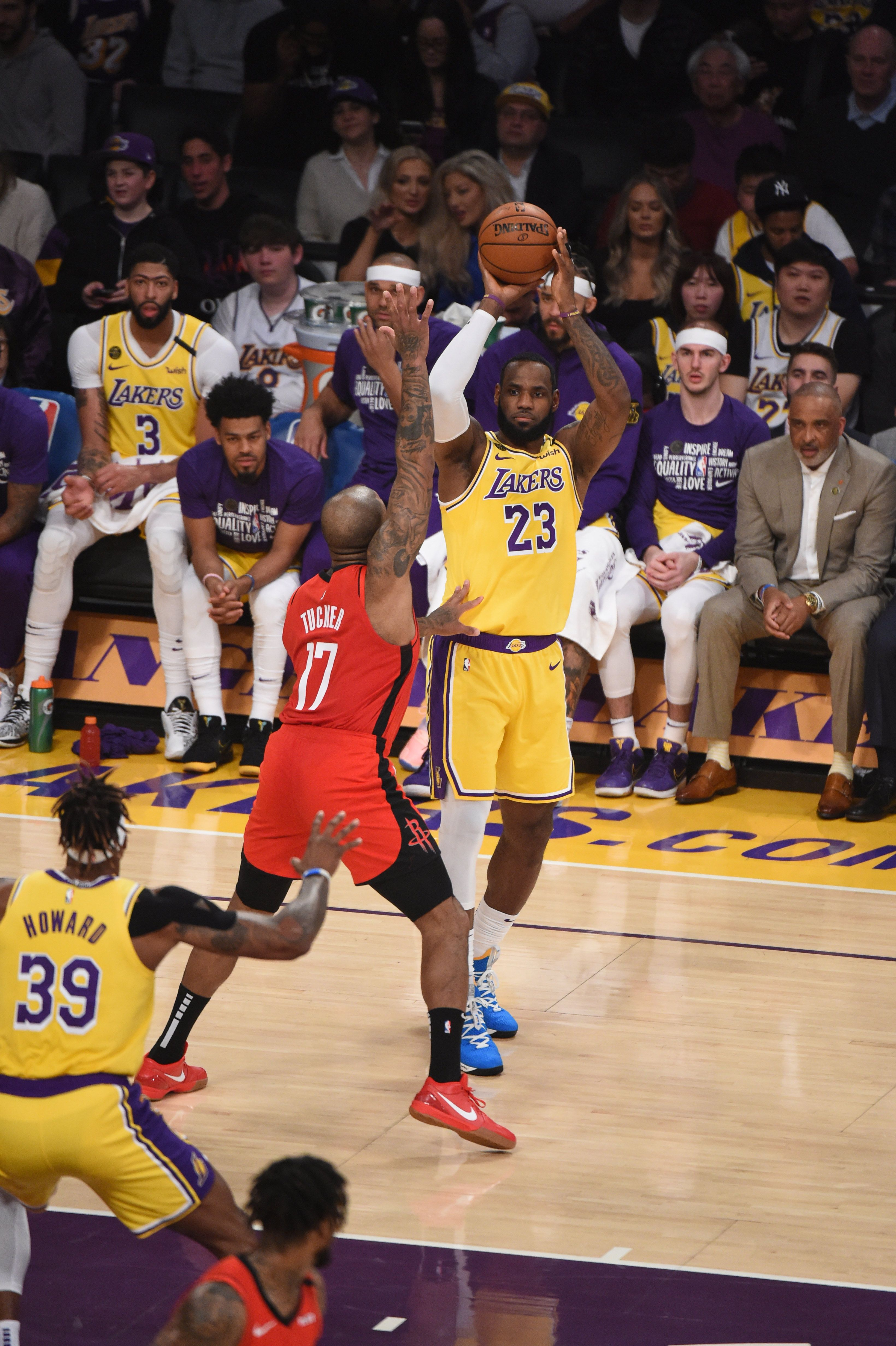Photos Lakers Vs Rockets 02 06 2020 Los Angeles Lakers In 2020 Lakers Vs Rockets Lakers Vs Los Angeles Lakers