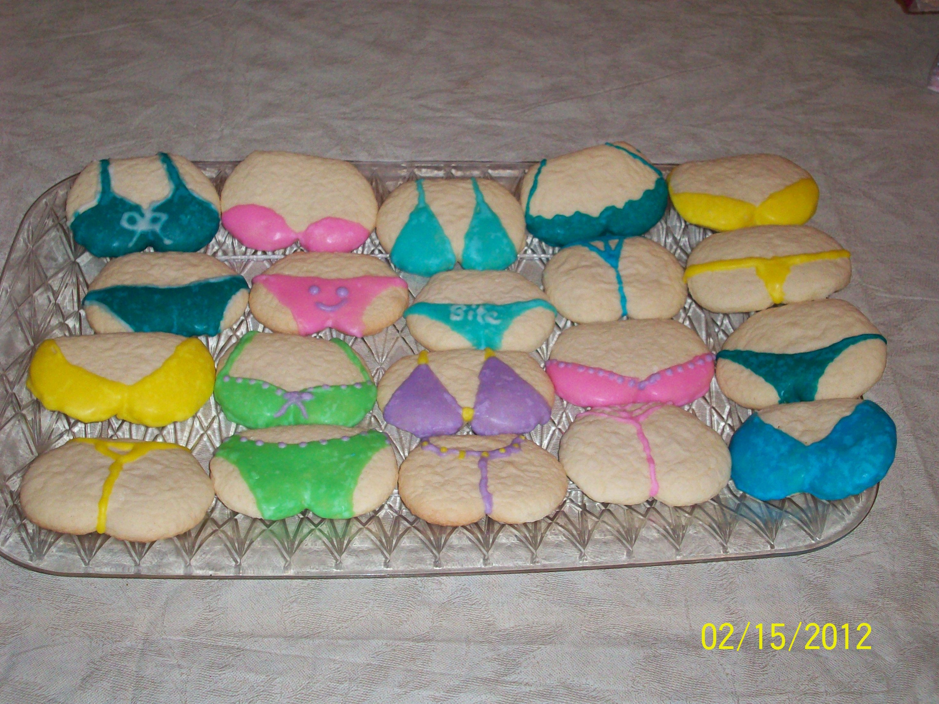 Bra & Panty (or bikini) sugar cookies