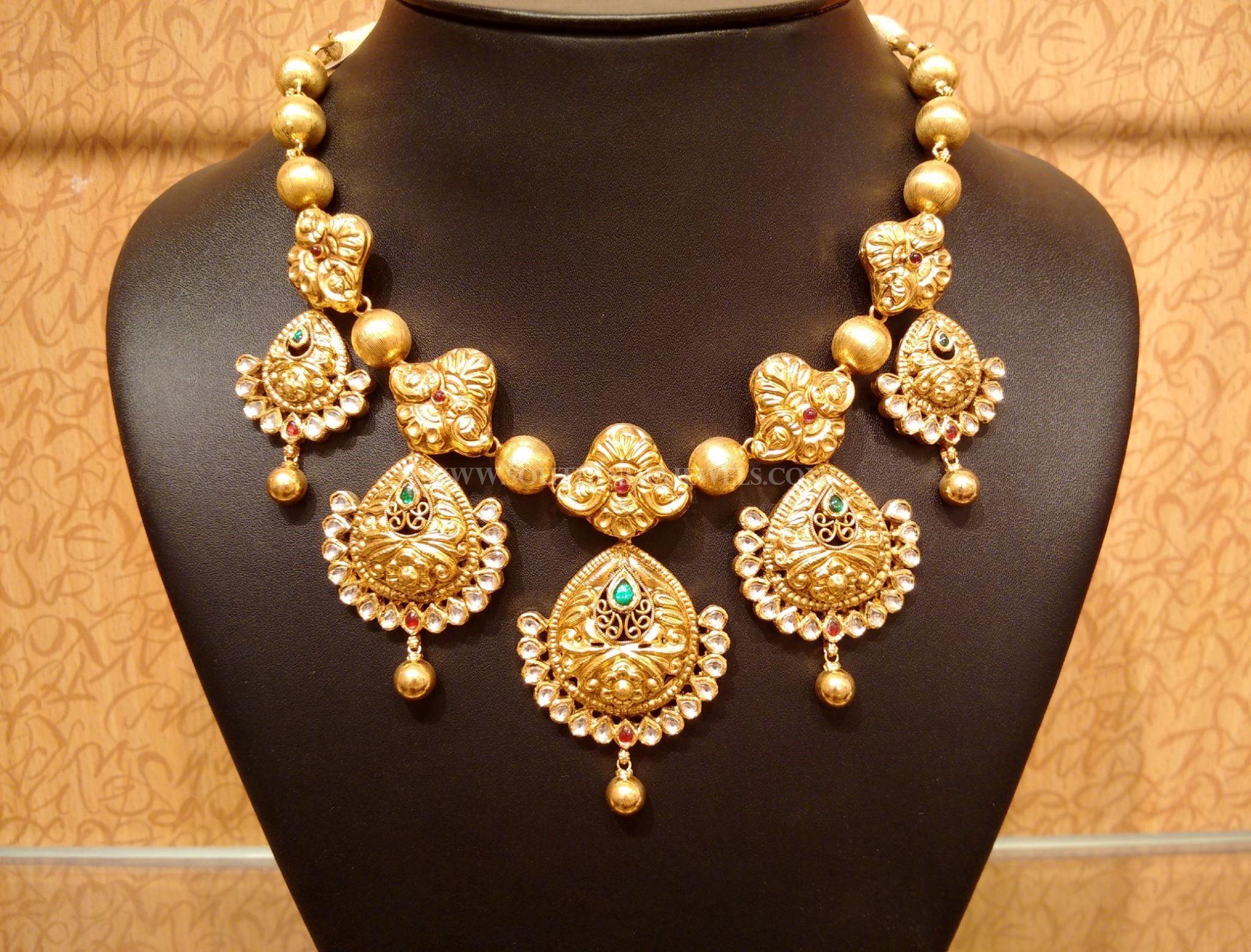 Gold Light Weight Antique Kundan Necklace Design
